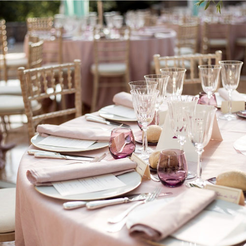 Venue Event Table Setting. Image Source: https://pixabay.com/photos/deco-wedding-flowers-decoration-4705709/