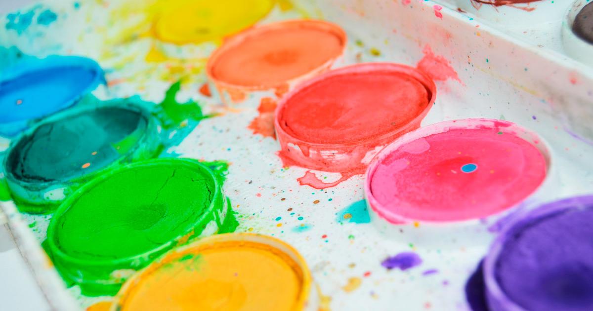 Artist Paint Palette. Image source: https://pixabay.com/photos/painting-colors-colorful-brush-1067686/
