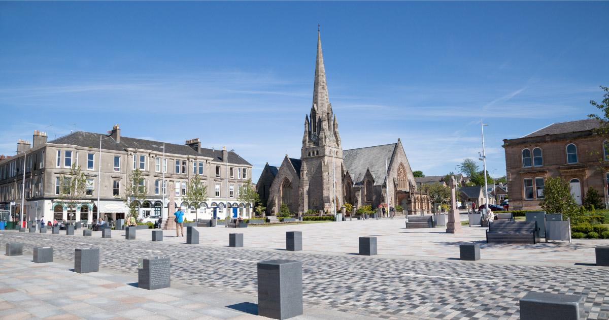 View across Colquhoun Square towards the Parish Church in Helensburgh. © Ann Stewart