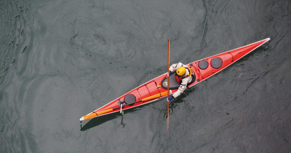 Sea Kayaking. Source: https://pixabay.com/photos/kayak-kayaking-water-adventure-5253015/